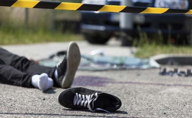 موٹر سائیکل اور مزدا ٹرک میں تصادم ایک شخص جاں بحق دو شدید زخمی