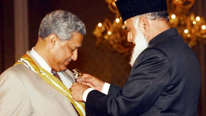 محسن پاکستان معروف ایٹمی سائنسدا ن ڈاکٹر عبدالقدیر خان خالق حقیقی سے جا ملے